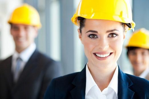 Женщина в мужском коллективе: как вести себя в первый день и как сделать работу комфортной?