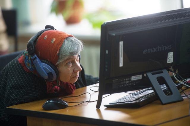Как найти работу в 45-50 лет: куда можно устроиться женщине и мужчине в зрелом возрасте?