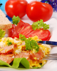 Что приготовить на работу на день рождения: чем угощать коллег, какие блюда и закуски их порадуют?