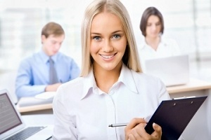 Кем можно работать в 16-17 лет девушке и парню: куда официально устроиться несовершеннолетним?