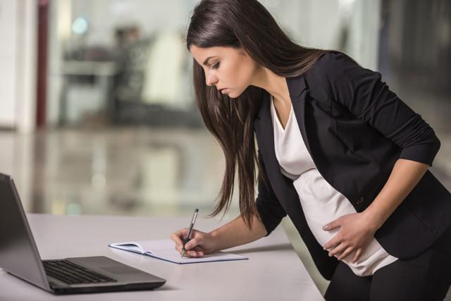 Входит ли декретный отпуск в трудовой стаж - как рассчитывается