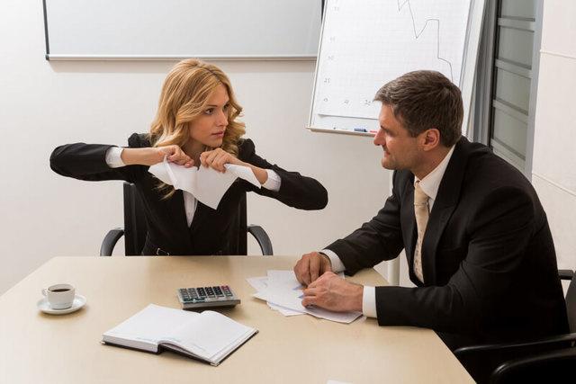 Можно ли уволиться без отработки двух недель по закону одним днем